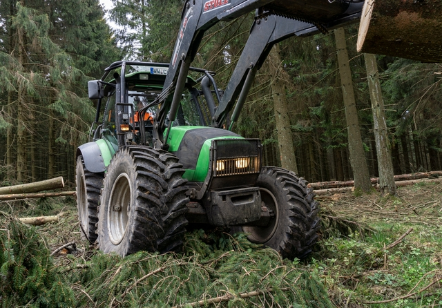 Nokian+Tractor+King_forestry.jpg