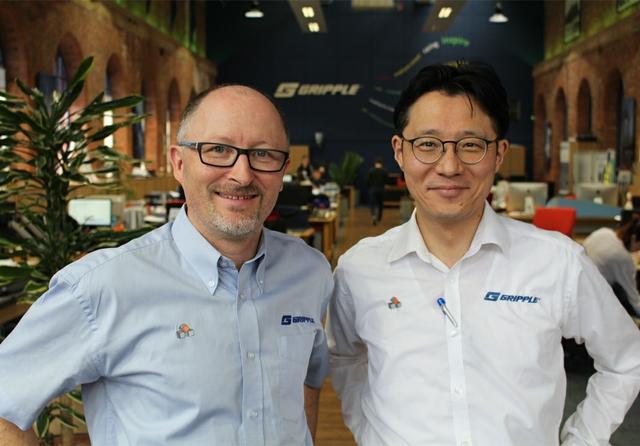 Takahiro-Makino-and-Eric-Laroche.jpg
