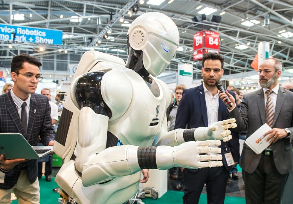 Human-robot teams