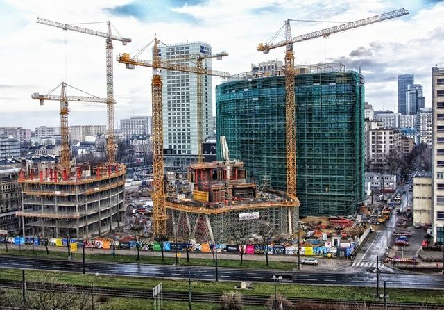 Warsaw under construction