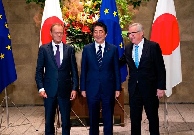 Tusk Abe Juncker