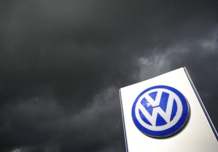 "Volkswagen faces Germany's biggest ever lawsuit over ""dieselgate"""