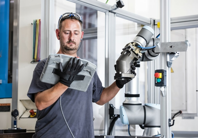 BWIndustrie Installs World's First UR16e to Optimise Throughput