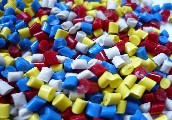 Plastic polymer pellets