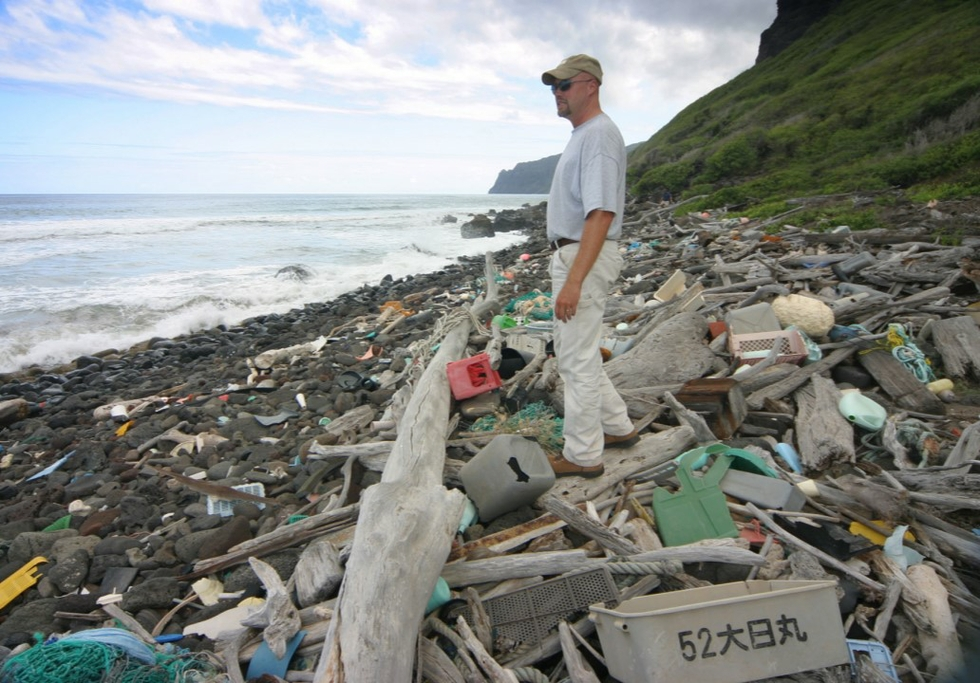 Niʻihau trash beach