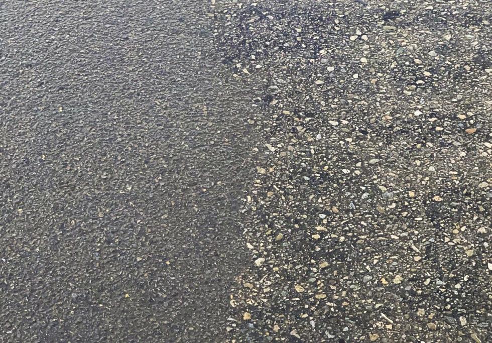 Nanotube-enhanced asphalt