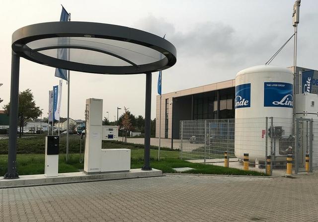 Linde hydrogen refuelling station in Hannover, Germany