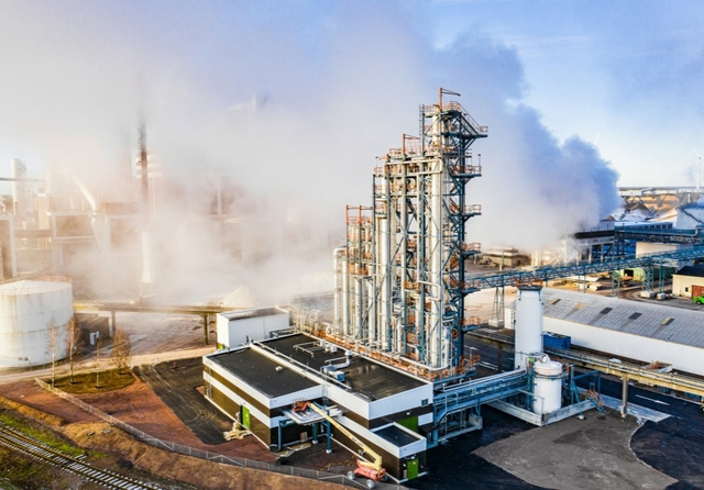 Södra builds world's first biomethanol plant