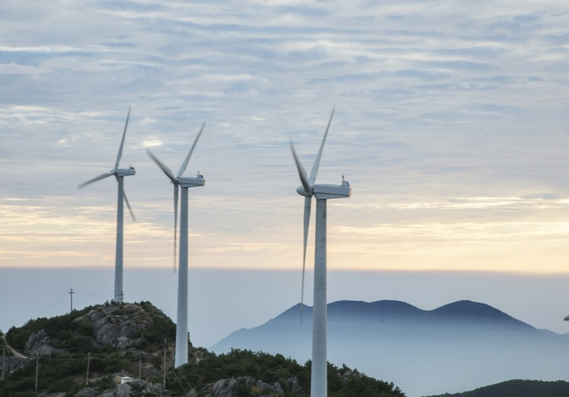 Graphene nanotubes create more wind turbines & less emissions