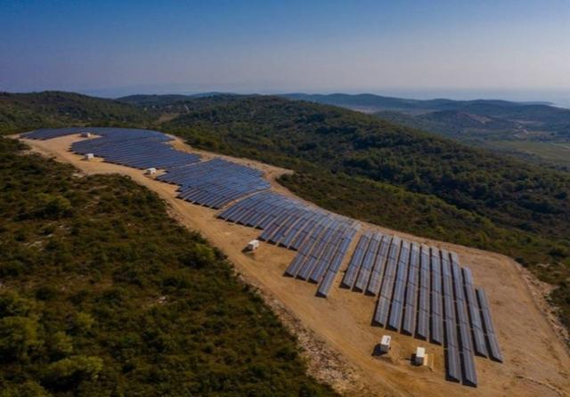 Vis solar farm