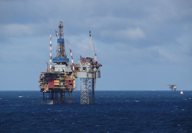 North Sea oil platform. Credit: Gary Bembridge / Flickr