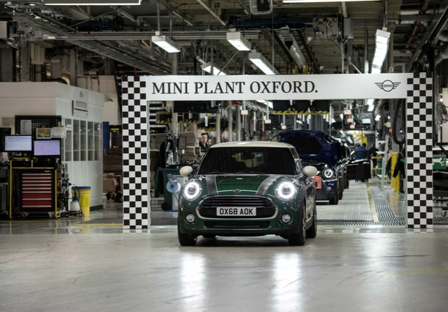 Mini Cooper at Mini plant Oxford. Credit: BMW Group