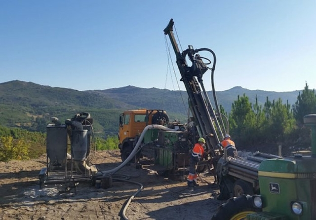 Drill rig at Mina de Barroso. Credit: Savannah Resources