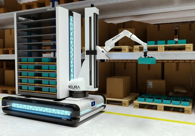 LARA (Lightweight Agile robotic assistant) mounted on MAV (Multi-Sensing Autonomous vehicle) palletising products. Credit: NEURA Robotics GmbH