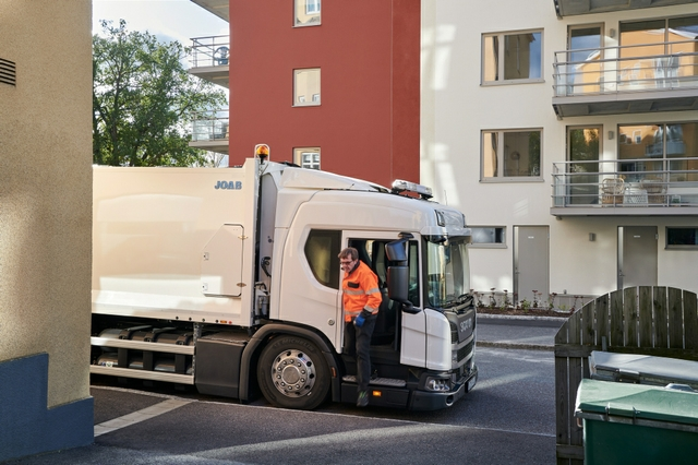 Scania refuse collection