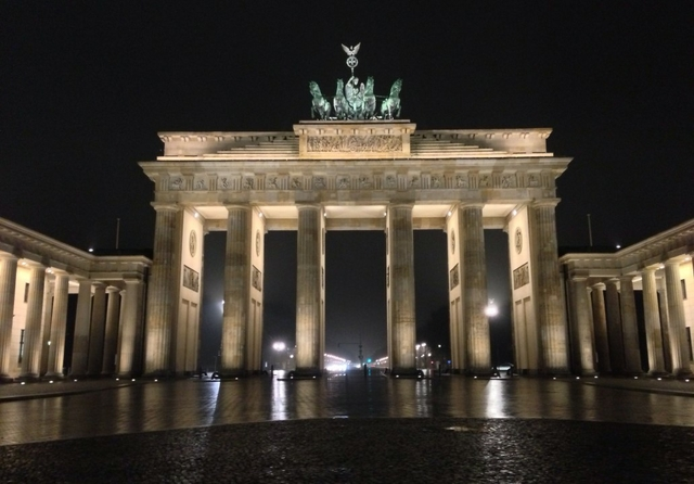 Brandenburg Gate by night, Berlin. Photo: Stacey MacNaught. Licence: CC BY