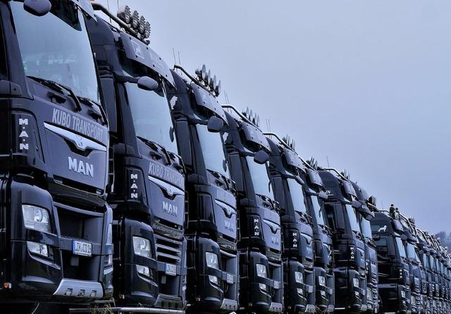 1280px-Trucks,_Trucks,_Trucks........_(25397699278)1.jpg