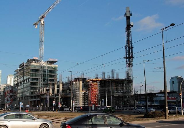 1280px-Warsaw_Unit_under_construction,_westview1.jpg