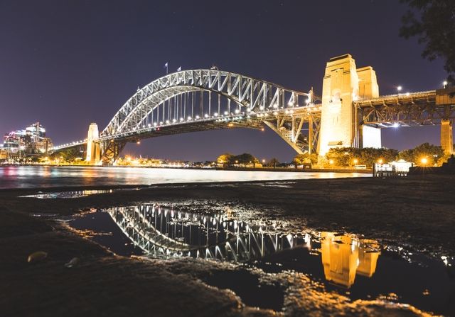 Sydney Harbour Bridge. Photo: Simon Rae / Unsplash