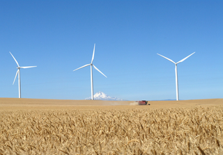Wind energy. Credit: lamoix / Flickr (Licence: CC2.0)