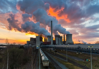 Coal-fired power plant at Neurath, Germany. Photo: r.classen / Shutterstock