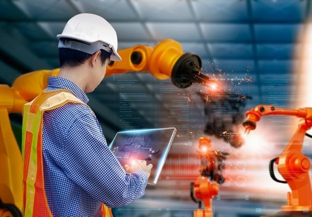 Smart factory. Photo: Art Stock Creative / Shutterstock